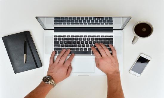 Lucrați acasă pe Internet fără investiții: cele mai bune modalități de a face bani
