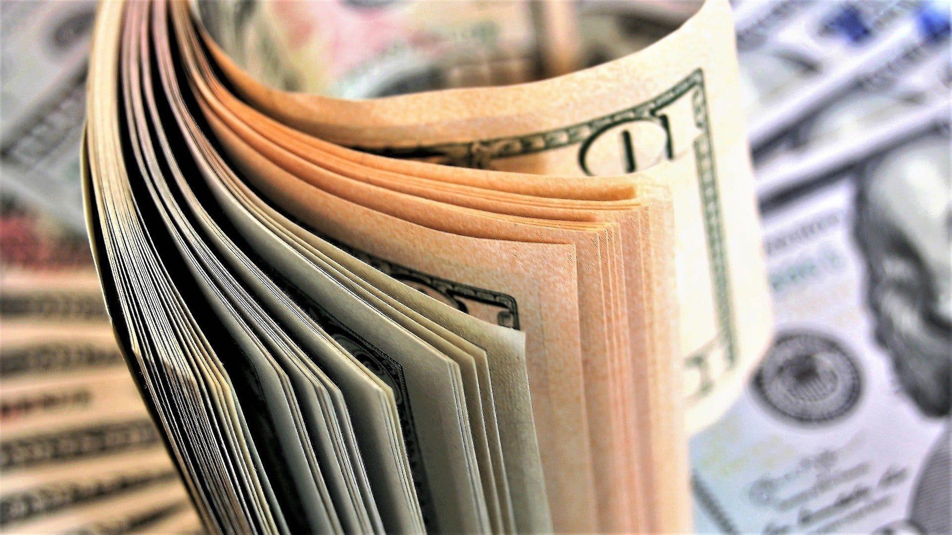 câștigați bani cu retragerea instantanee a banilor cel mai ușor venit din