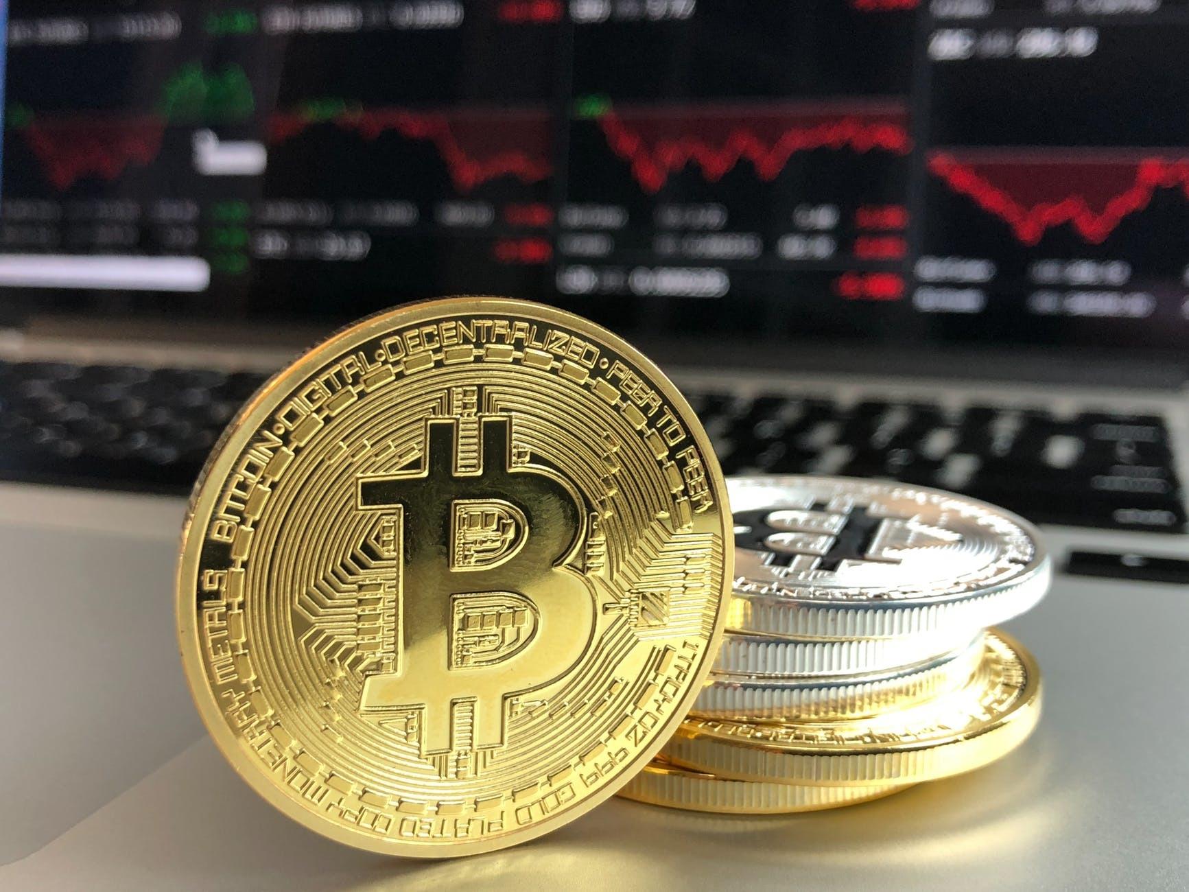 Bitcoin Afacerea care a adus câștiguri de peste % și mii de controverse într-un an