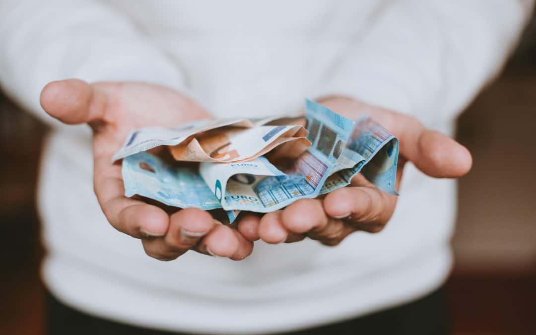 trebuie să câștigi bani cu mintea)
