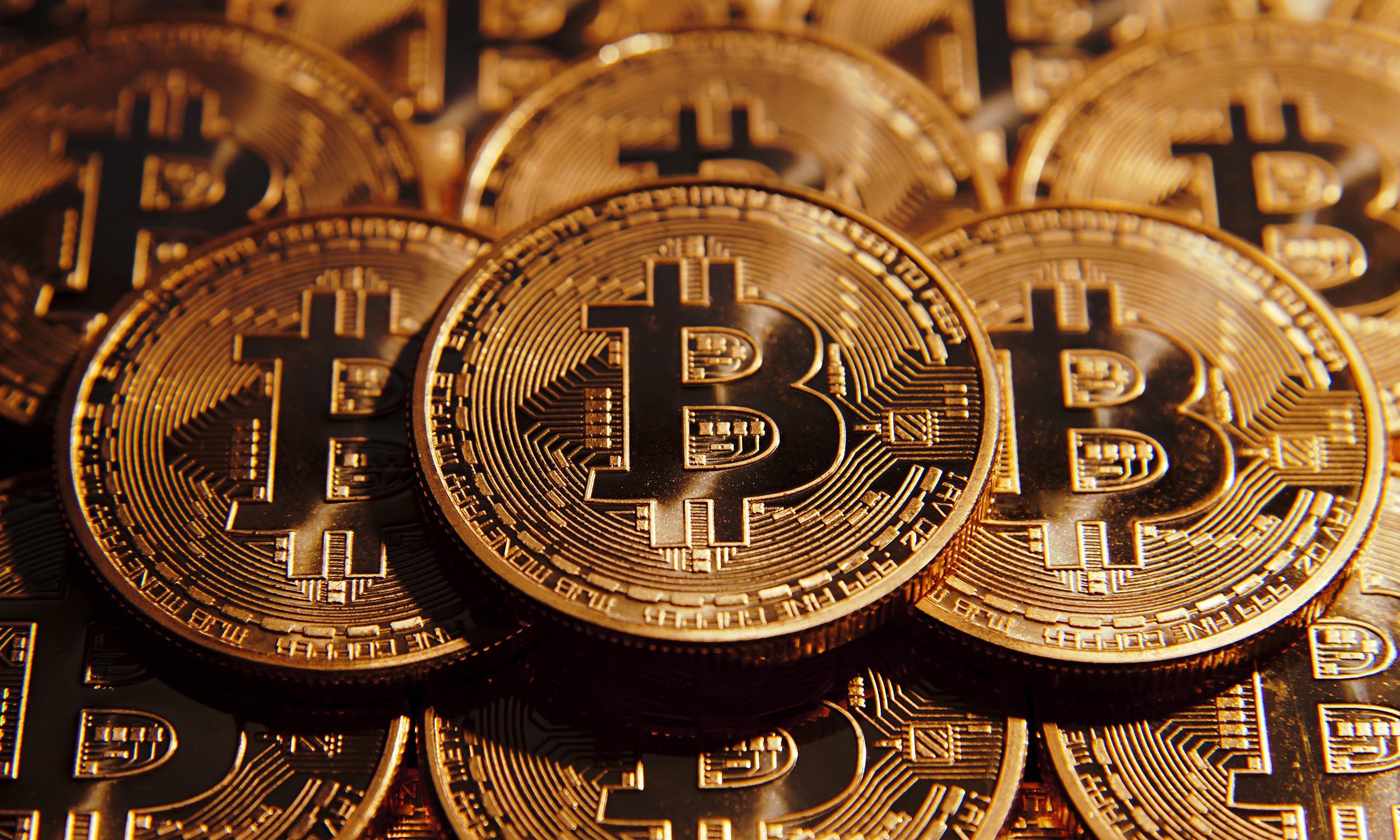 A făcut de euro cifră de afaceri în România din bitcoin