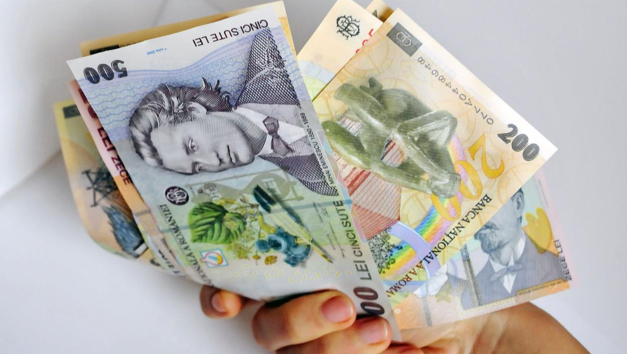 cum să ajute o persoană să câștige bani)