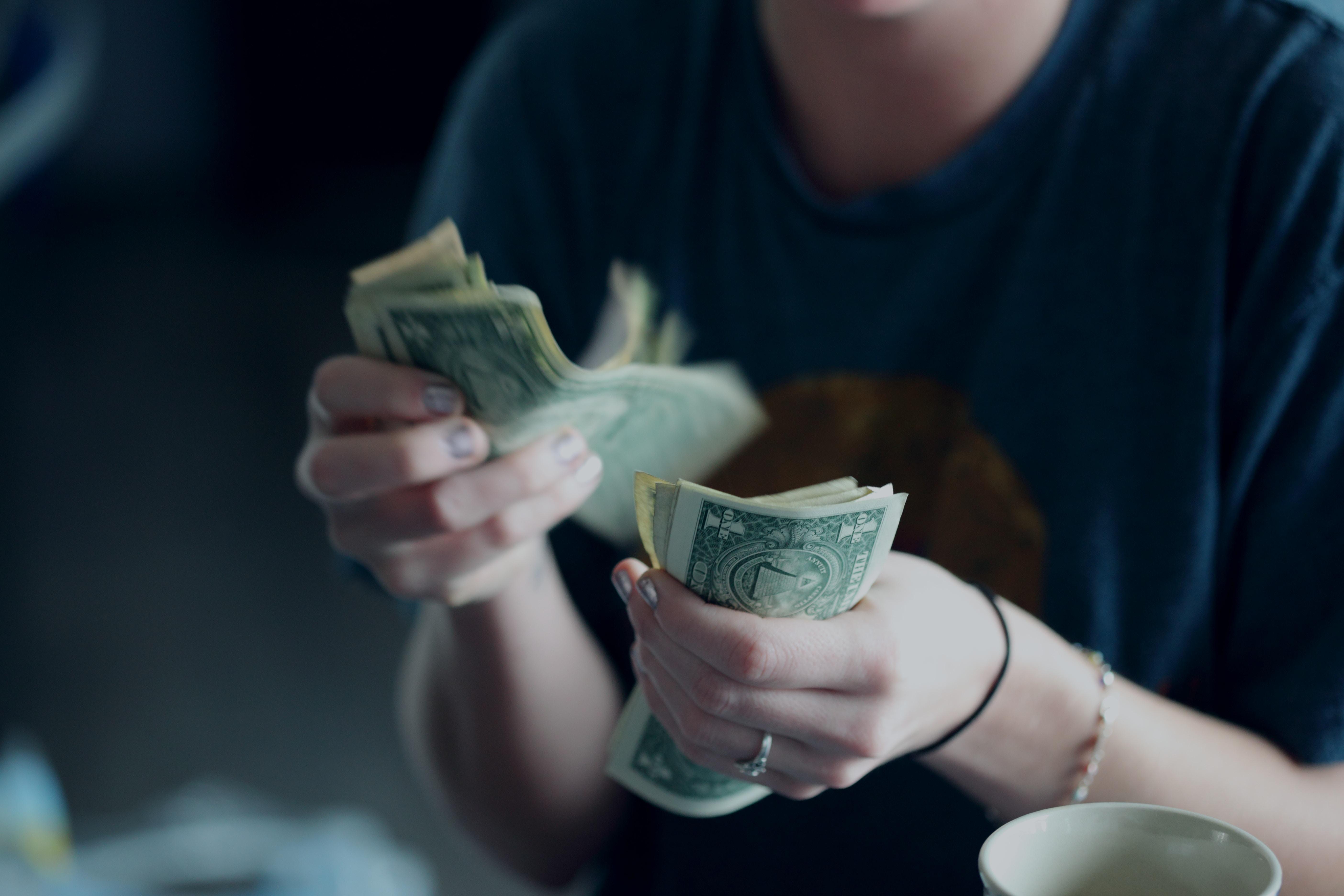 cum să faci bani trăind în casa ta)