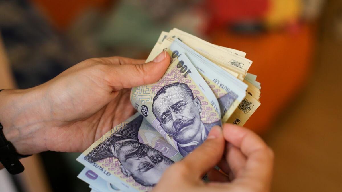face bani pe cont propriu)