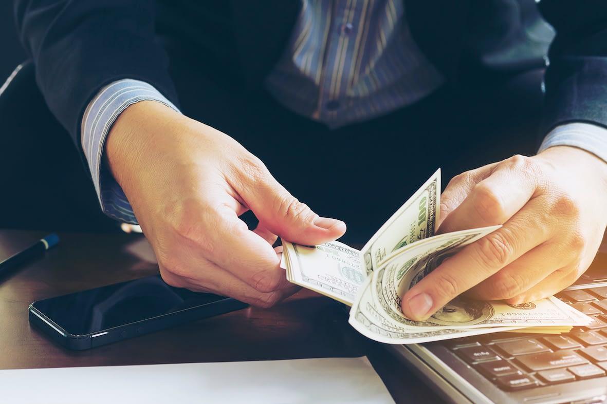 spune- mi cum să câștig bani online