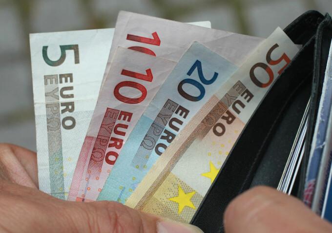 valoarea temporară a opțiunii în bani)