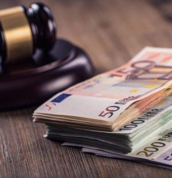 cum să câștigi mulți bani pentru un avocat