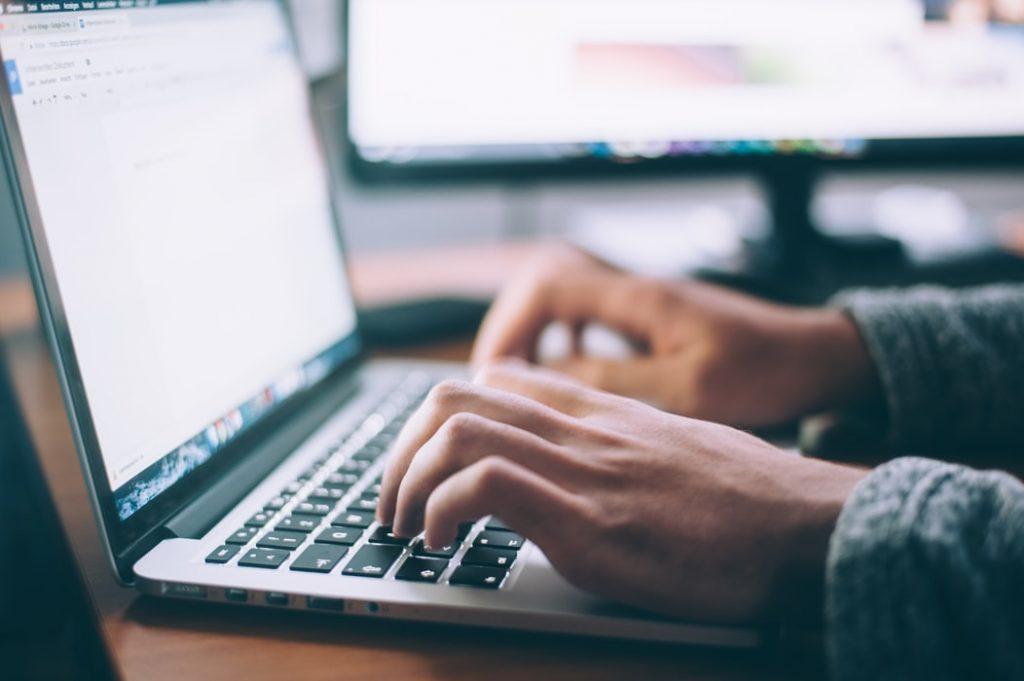 Internet – Abonamente, Opțiuni Cartelă PrePay, Servicii Fixe prin Fibră Optică și 4G   Orange